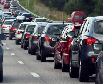 Автомобили на дороге