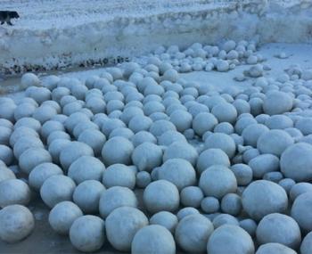 Ледяные шары на Ямале