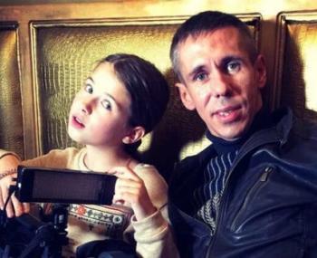 Дочь Панина по суду остается с отцом
