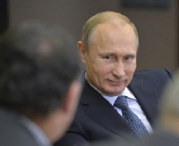 """Financial Times удивлена эффективной игрой Путина на """"экономическом фронте"""""""