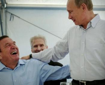 Tagesspiegel: в критический момент Берлин вспомнит про «эксклюзивные контакты» Шрёдера в Москве
