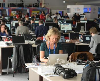 Журналисты, юристы и музыканты останутся без работы