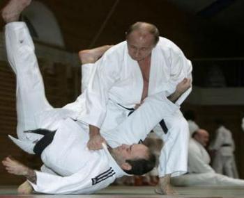 Владимир Путин  в поединке по самбо