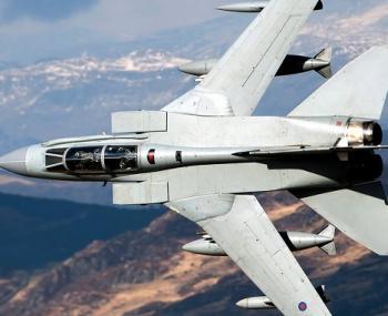 сверхманевренные стратегические бомбардировщики В-1В Lancer над Тихим океаном