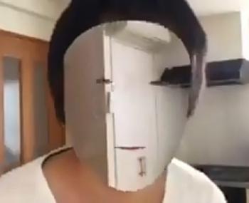 С помощью iPhone Х разработчик сделал свое лицо невидимым