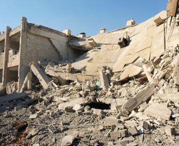 Мужчина делал постановочные фото, выдавая их за кадры ранений в Сирии.
