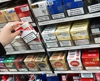 полки с сигаретами