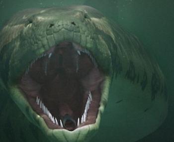 в уральском озере нашли гигантскую змею