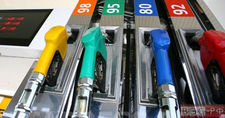 В Новосибирской области стоимость бензина увеличилась почти на 9 процентов за год