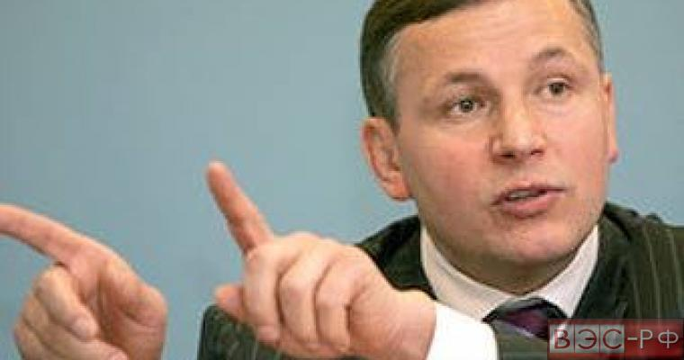 Украинский министр обороны уверенно пообещал в Севастополе сделать парад