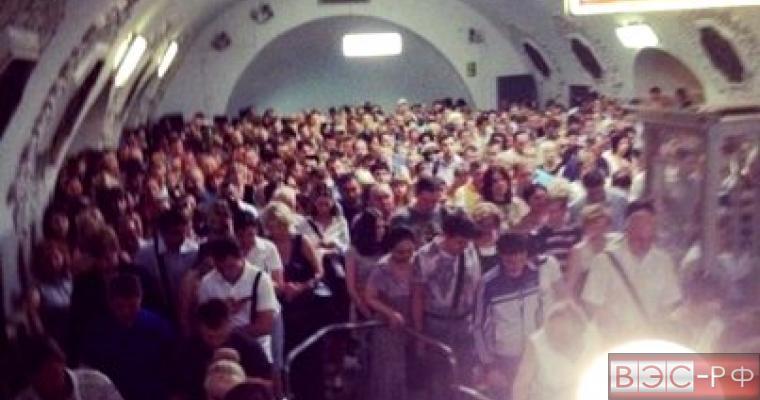 метро, ЧП, трагедия, жертвы, давка, толпа, паника