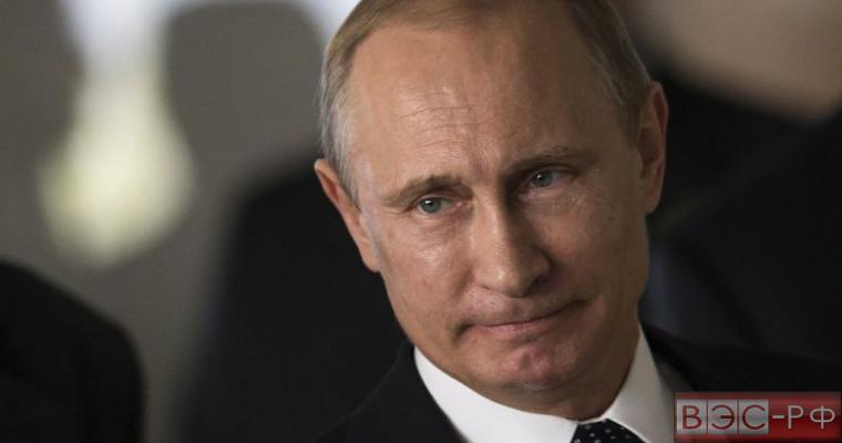 Путин призвал подумать о мерах защиты экономики России от санкций