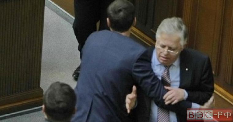 Генпрокуратура и СБУ возбудили 308 уголовных дел против коммунистов