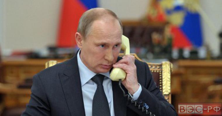 Путин обсудил с Порошенко прекращение огня на востоке Украины