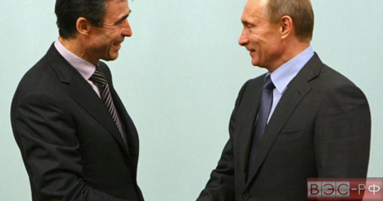 Генсек НАТО Расмуссен одобряет мирный план Владимира Путина
