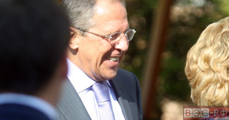 Лавров не дал Обаме поставить РФ на одну доску с Эболой и террористами  РИА Новости http://ria.ru/politics/20140925/1025505974.html#ixzz3EIW0I4t1