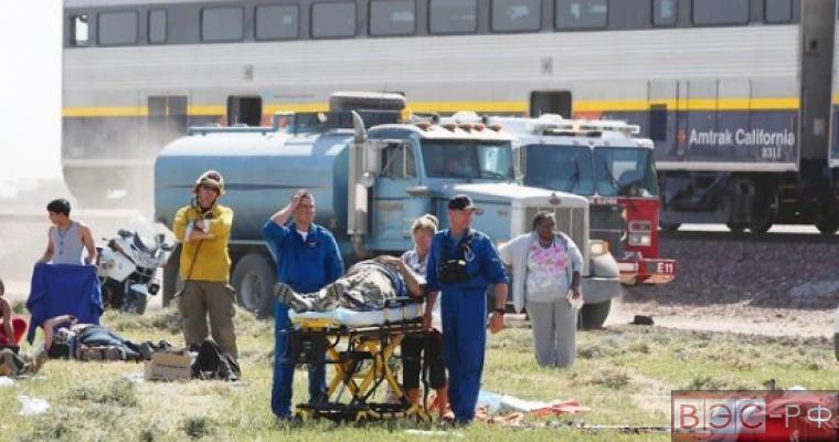 В США столкнулись грузовик и поезд