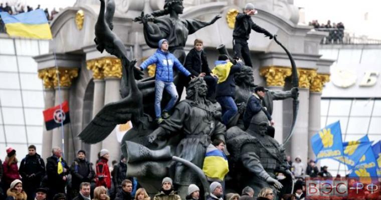 Декларация, которая объявляет Майдан высшей властью в стране может быть принята на годовщину Евромайдана