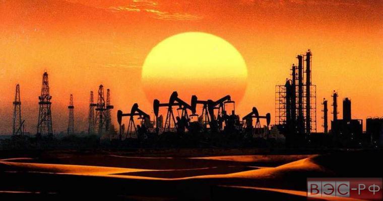 Нефтедобывающие вышки солнце