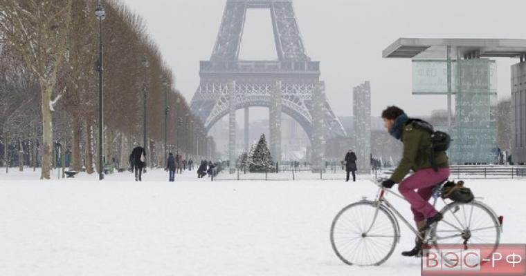 Снегопад во Франции стал причиной ДТП
