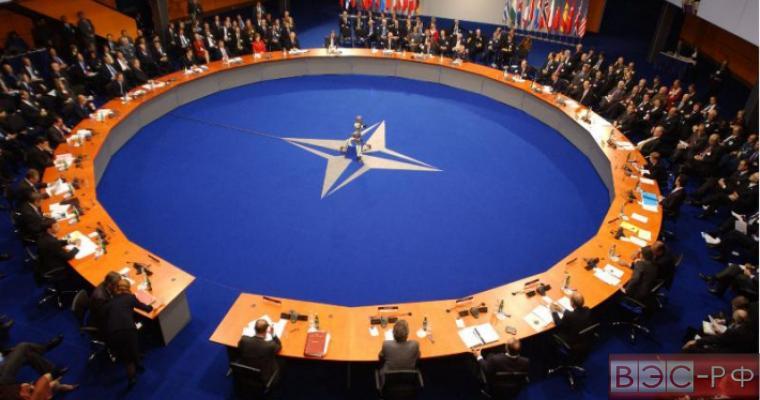 НАТО не обсуждает вооружение Украины, заявила Испания