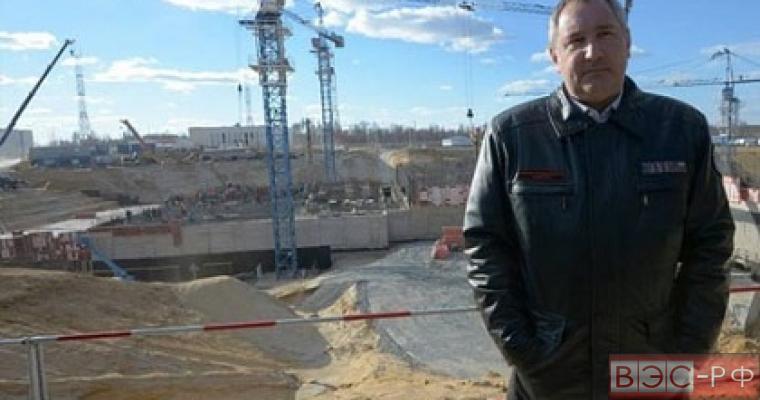 """Рогозин уговорил рабочих """"не бастовать"""""""