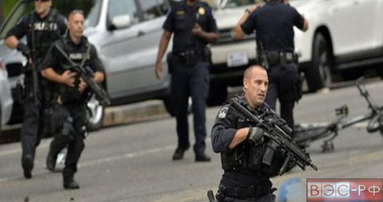 """Полиция Вашингтона не считает терактом <a href=""""http://www.eer.ru/a/article/u123253/11-04-2015/29432"""" target=""""_blank"""">стрельбу возле Капитолия</a> . Сообщение об этом озвучил телеканал  NBC ссылаясь на источник  из правоохранительных органов США.Ранее в СМИ поступила информация о том, что в столице США возле здания Капитолия  покончил с собой неизвестный мужчина. Самоубийца выбрал весьма людное место – сейчас в Вашингтоне проходит Фестиваль цветения вишни."""