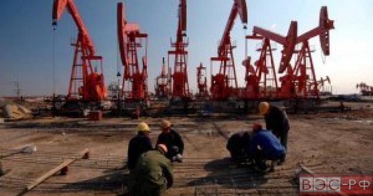 Работники нефтедобывающей компании