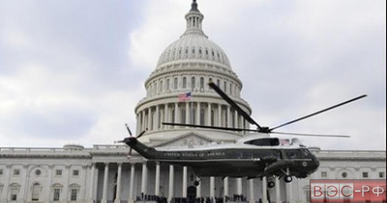 На Капитолии приземлился частный вертолет