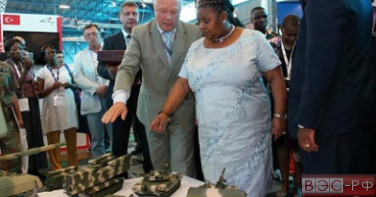 Министр обороны ЮАР прибудет в Москву