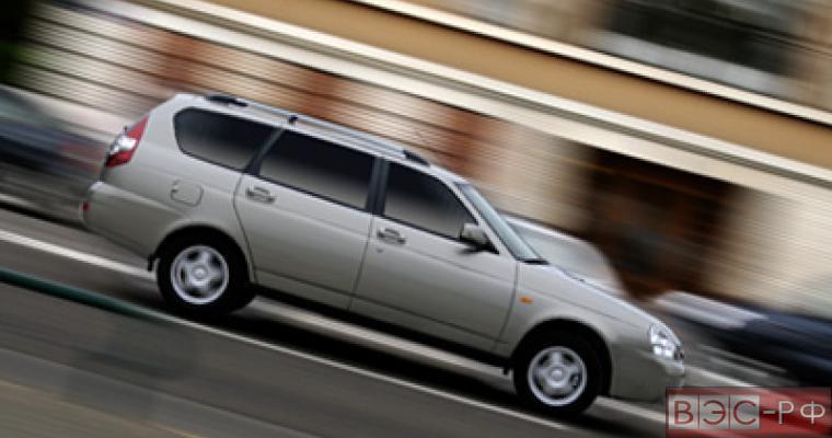 За четыре месяца 2015 года продалось в два раза меньше машин, чем за тот же период 2014 года