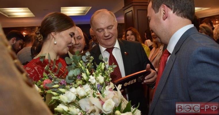 Кабаева появилась на публике и всколыхнула новую волну слухов - фото