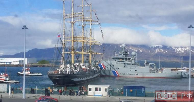 Крузенштерн протаранил корабли береговой охраны Исландии