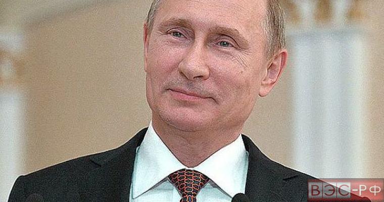 Два саммита - и Путин получил желаемую роль звезды