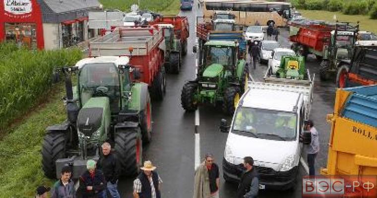 Во Франции фермеры бастуют из-за санкций против России