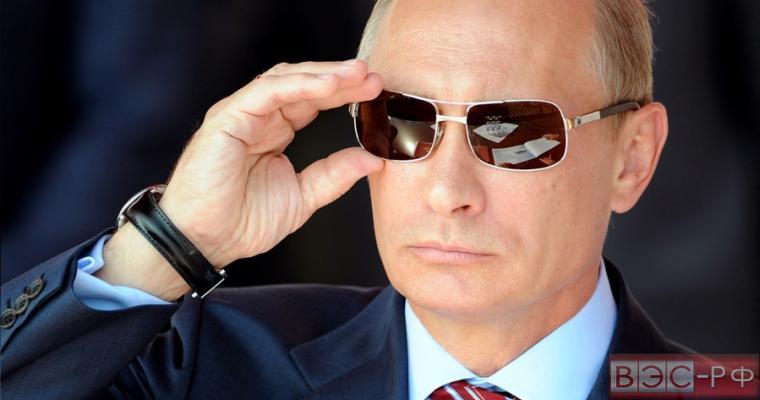Путин вновь выставил себя супергероем, благодаря сирийскому кризису, - NYT