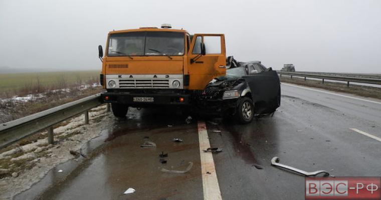 Грузовик и внедорожник столкнулись в Северной Осетии, пятеро погибли