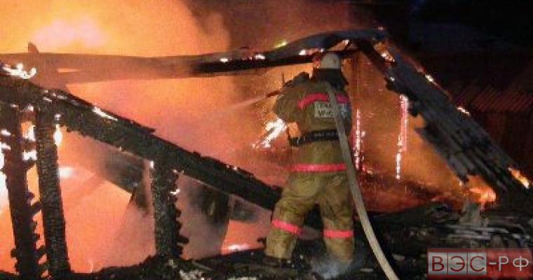 Тушение пожара на складе