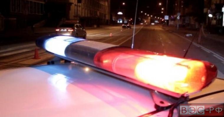 Полицейские преследуют водителя