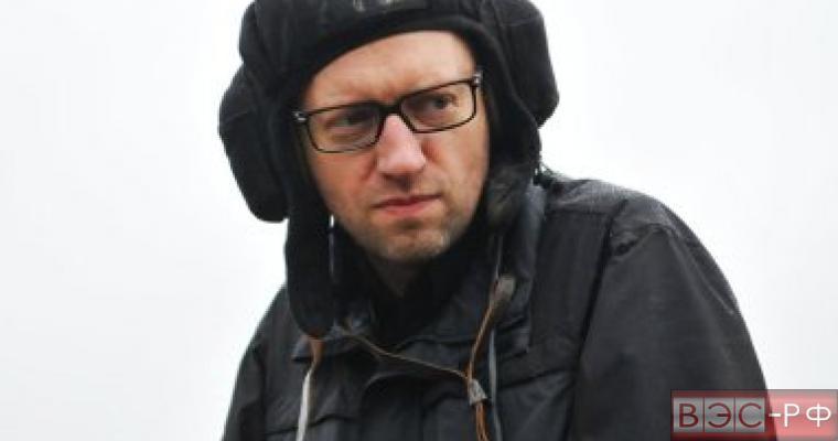 Яценюк винит Россию в терактах во Франции
