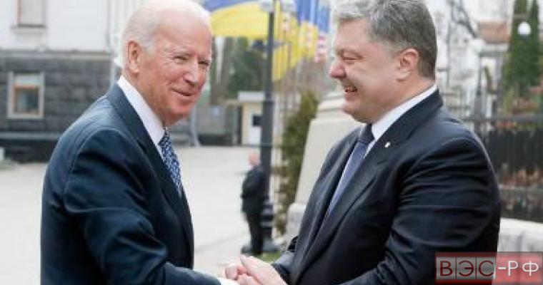 обстановка в Донбассе обострилась, Порошенко встретился с вице-президентом США