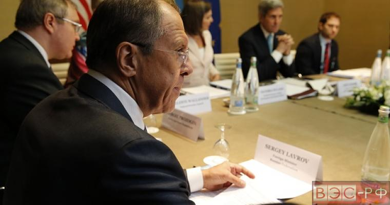Лавров указал Керри на необходимость остановки антироссийской медиа-компании