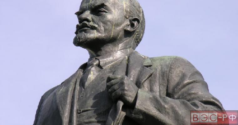 Снос памятника Ленину в Запорожье