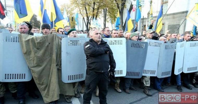 Сколько платят протестующим в Киеве