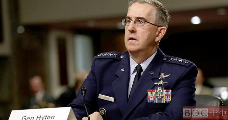 генерал ВС США Джон Хайтен.