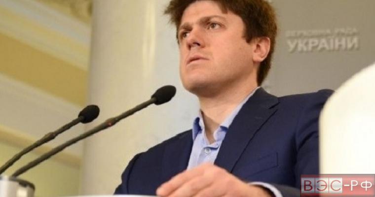 В Киеве заявили, что ФРГ и Франция ищут повод снять с России санкции