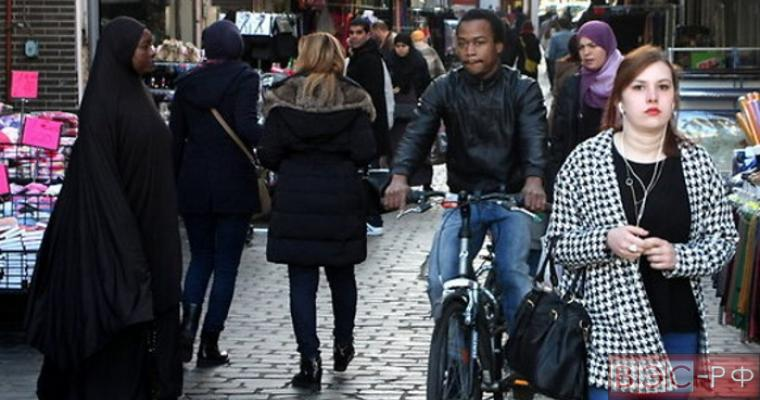 Нелегальный мигрант напал на полицейских в пригороде Брюсселя.