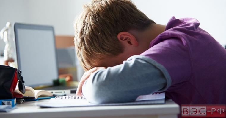 Ученые рассказали о влиянии гаджетов на детский сон