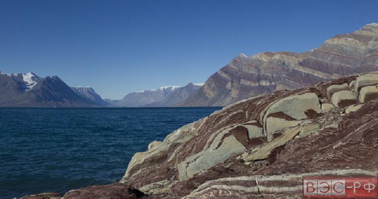 На территории Гренландии обнаружены следы существования древнейших организмов.