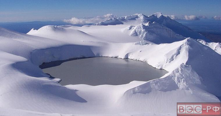в новозеландском озере резко повысилась температура воды